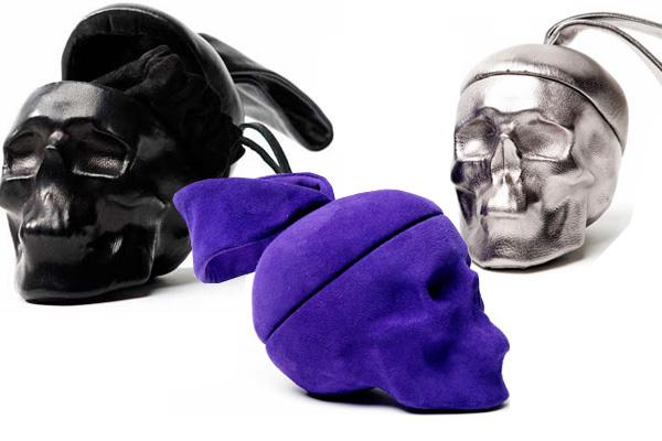 http://glamourparaguaio.files.wordpress.com/2009/06/natalia-brilli-skull-purses-bags-1.jpg